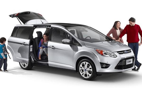 5 Tips Memilih Mobil Keluarga Bekas yang Baik